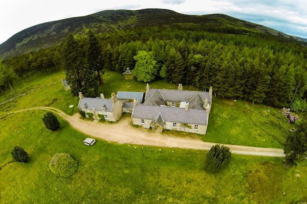 Balmoral Holiday Cottages Alltnaguibhsaich Lodge